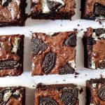 Brownie cu oreo si ciocolata