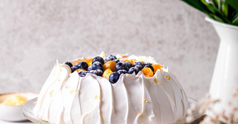 Pavlova cu crema de vanilie - journey-of-taste